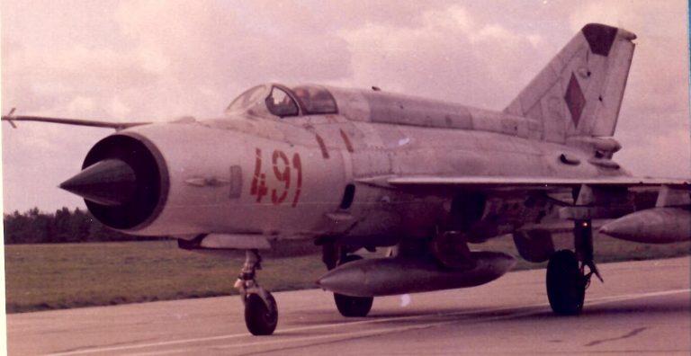 """MiG-21M """"491"""""""